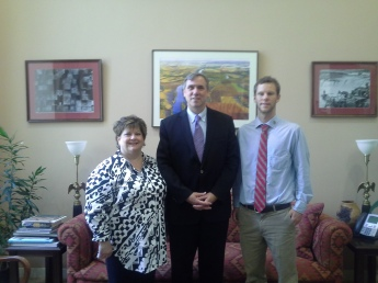 Senator Jeff Merkley with Oregon Chapter Sierra Club members, Jill Workman and Chris Smith