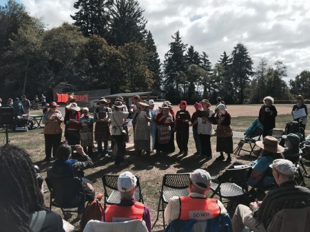 Raging Grannies at Hike the Pipe